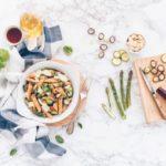 Penne al farro, lenticchie e quinoa con zucchine, asparagi e miele