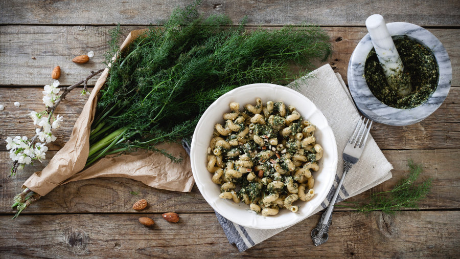 cellentani integrali al pesto di finocchietto selvatico