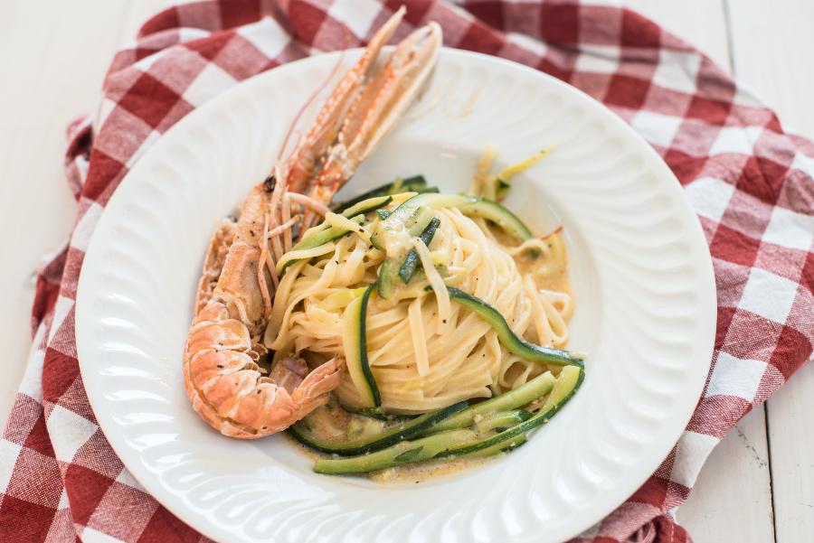 fettuccine scampi e zucchine_sgambaro