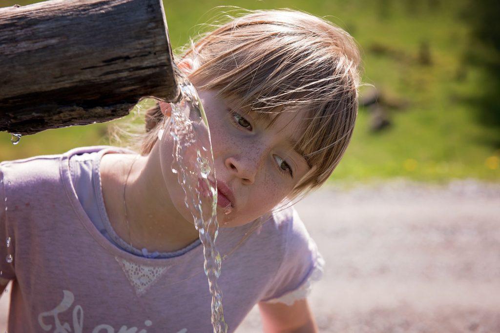 Bambini stanchi? La corretta idratazione aiuta.