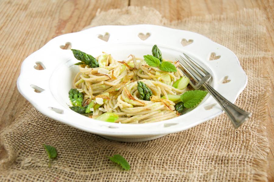spaghetti-farro-asparagi 3