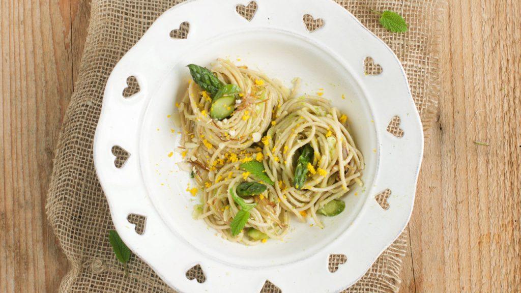 spaghetti-farro-aspargi-cover