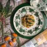 Spaghetti Senatore Cappelli con agretti, datterini gialli e peperoncini macinati