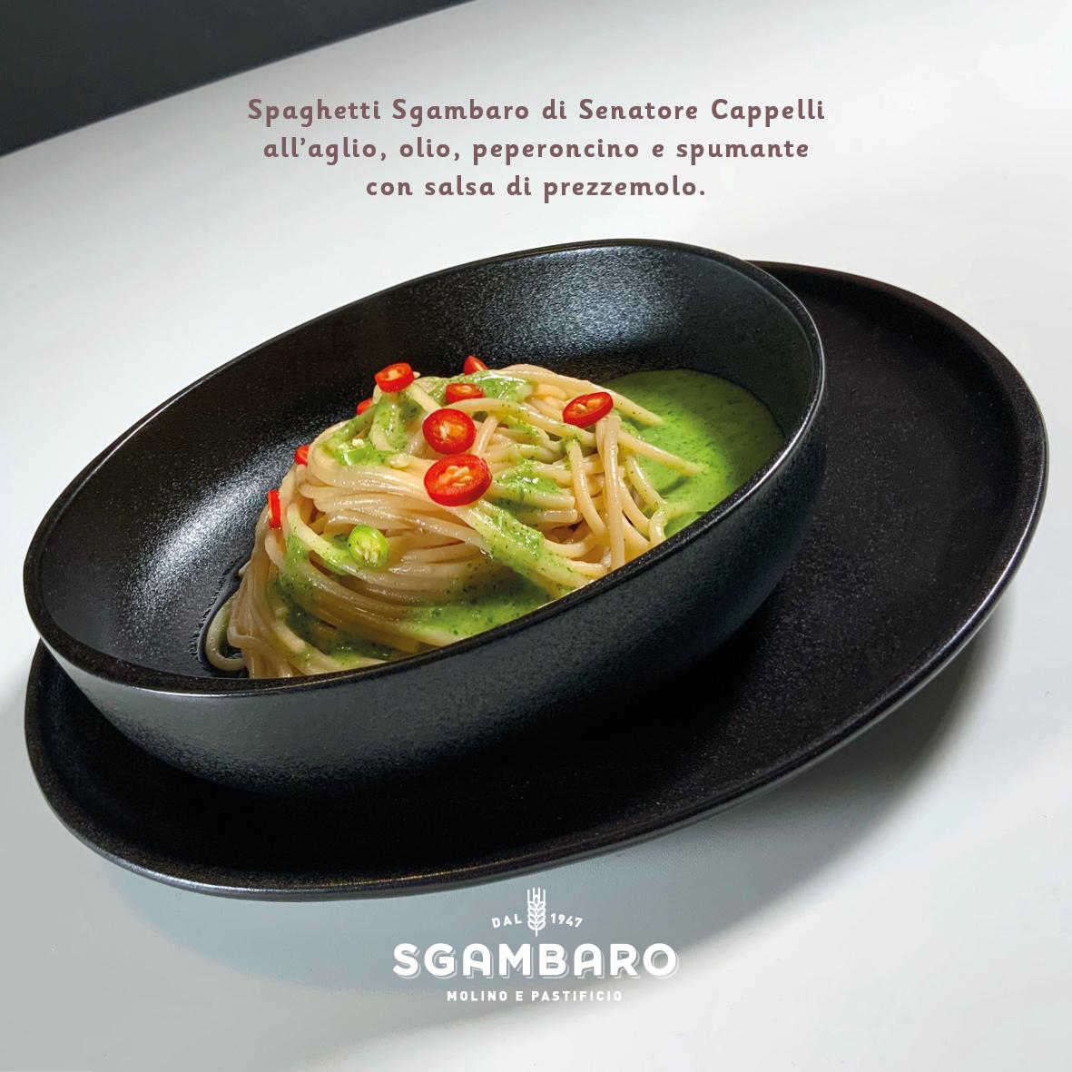 Spaghetti Sgambaro di grano Senatore Cappelli all'aglio, olio, peperoncino e spumante foto ingredienti