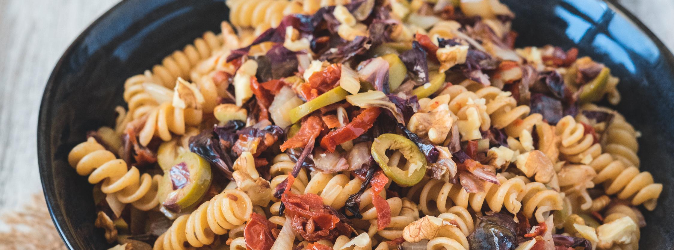 Trivelline Sgambaro radicchio noci e pomodorini secchi